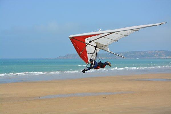 Обои для рабочего стола Hang-gliding спортивные летит 600x400 Спорт спортивная спортивный летят Полет летящий