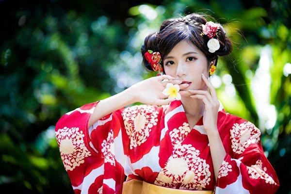 Фотография боке Кимоно молодые женщины азиатки Руки 600x400 Размытый фон девушка Девушки молодая женщина Азиаты азиатка рука