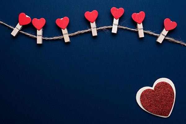Фотографии День всех влюблённых сердечко Прищепки Шаблон поздравительной открытки 600x400 День святого Валентина серце Сердце сердца