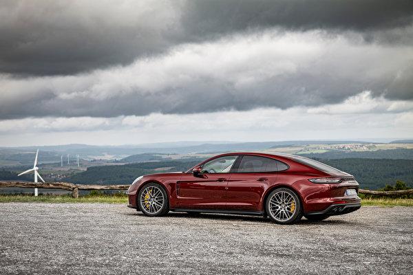 Картинки Порше Panamera Turbo S, (971), 2020 бордовые Металлик автомобиль 600x400 Porsche бордовая Бордовый темно красный авто машины машина Автомобили