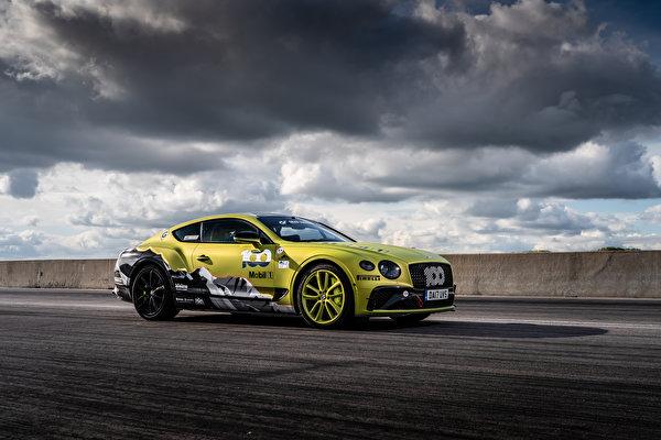 Обои для рабочего стола Бентли Continental GT Pikes Peak, 2019 Сбоку машины Облака 600x400 Bentley авто машина Автомобили автомобиль облако облачно