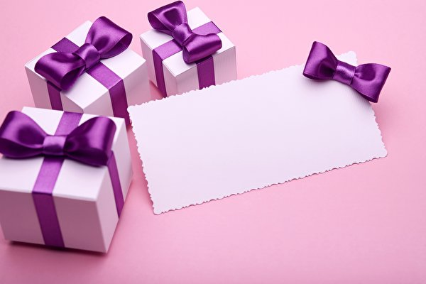 Картинка Подарки коробки Шаблон поздравительной открытки 600x400 подарок Коробка коробке подарков