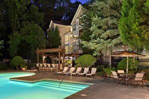 Обои Курорты Плавательный бассейн Лежаки Гостиницы город
