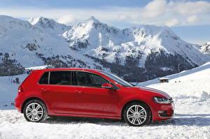 Фотография Volkswagen Горы Красный Сбоку Снег 2013 Golf VII 4Motion Машины Природа