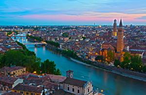 Картинки Италия Речка Верона Водный канал Сверху Горизонт Мегаполис Borgo Trento