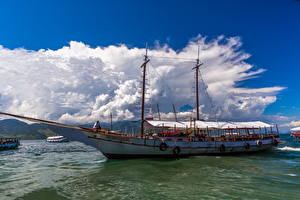 Обои Корабли Речные суда Облака