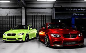 Картинки BMW Красный Салатовая Спереди авто