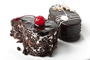 Картинки Сладости Шоколад Пирожное Торты Белый фон Еда