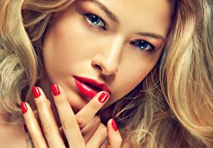 Фото Глаза Лицо Взгляд Маникюр Красные губы Девушки