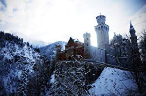 Картинки Замки Германия Зима Нойшванштайн Снег Города