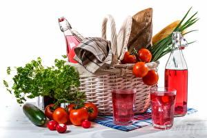 Фотография Натюрморт Овощи Помидоры Бутылка Корзины Стакана Пища
