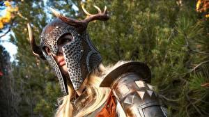 Обои The Elder Scrolls The Elder Scrolls V: Skyrim Доспехи В шлеме Рога Игры Девушки