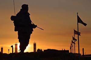 Фотографии Солдаты Рассветы и закаты Мужчины Армия