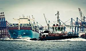 Картинки Корабли Контейнеровоз Maersk Line Essex