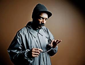 Фотографии Snoop Dogg Мужчины Негр Шапки Борода Куртка Знаменитости