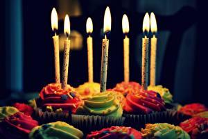 Фото Праздники Свечи Сладкая еда Пирожное День рождения Пламя