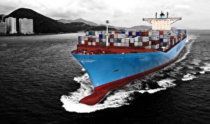 Картинки Корабли Контейнеровоз Maersk