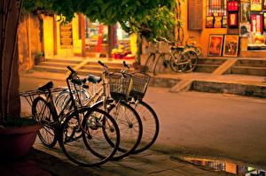Обои для рабочего стола Дороги Велосипед Улиц город