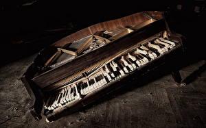 Обои Фортепиано Старый