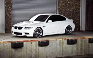 Картинка БМВ Белые m3 Автомобили