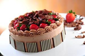 Обои Сладости Торты Шоколад Клубника Еда