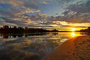 Фото Реки Россия Рассвет и закат Небо Солнца Облака Ярославль Которосль Природа