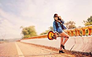 Обои Азиаты Дороги Шляпа Гитара Девушки