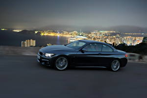 Обои BMW Сбоку 2013 435i Автомобили Города