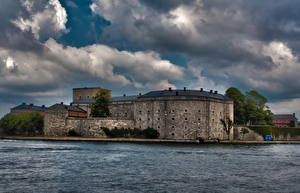 Картинки Замки Швеция Облака Vaxholm