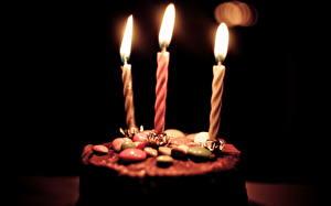 Фотографии Свечи Пирожное День рождения