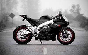 Обои Aprilia Черный Сбоку Мотоциклы фото