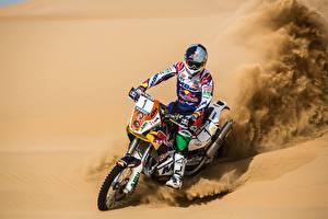 Фотографии Пустыни Песок Шлем Спорт