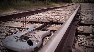 Картинки Железные дороги Гитара Рельсы