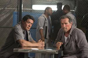 Обои для рабочего стола Мужчина Arnold Schwarzenegger Sylvester Stallone План побега Фильмы Знаменитости