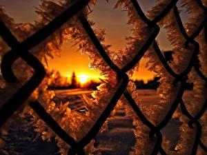 Обои Крупным планом Рассветы и закаты Забор Лед Снег