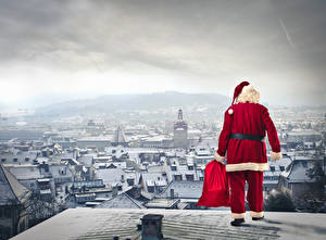 Картинка Праздники Новый год Дома Дед Мороз Подарки Снегу
