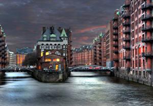 Картинки Германия Дома Реки Мосты Гамбург Ночь