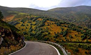 Картинка Дороги Испания Горы Деревья Cantabria Природа