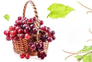 Картинки Фрукты Виноград Корзинка Красный Листва Продукты питания