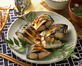 Картинки Морепродукты Рыба Тарелка Продукты питания