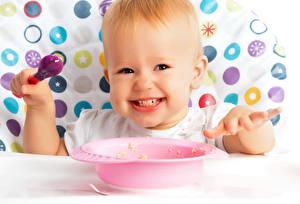Фото Грудной ребёнок Тарелка Ложка Улыбка ребёнок