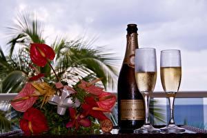 Картинки Праздники Букет Шампанское Бокал Бутылки
