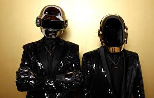 Фотографии Двое Шлем Daft Punk Музыка