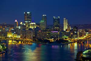 Картинка США Небоскребы Река Питтсбург Мегаполиса Ночь Пенсильвания Города