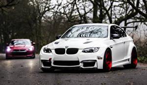 Обои BMW Белые Спереди E92 M3 Автомобили Автомобили Природа