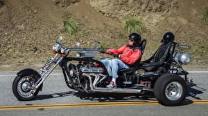 Обои Трайк Мотоциклист Шлем V8 Trike Мотоциклы фото
