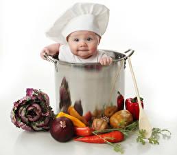 Картинки Овощи Лук репчатый Морковь Картофель Чеснок Младенца Шляпа Повары ребёнок