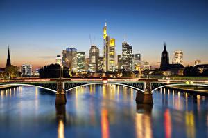 Обои Германия Реки Дома Мосты Франкфурт-на-Майне Ночью