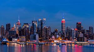 Фотографии США Небоскребы Речка Дома Нью-Йорк В ночи город