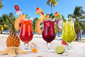 Обои Напитки Сок Ананасы Лимоны Трое 3 Бокал